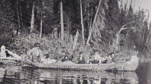 Cree Indian family in small fur trade type birchbark canoe on the Abitibi River , 1907. In later years , a number of Indians adopted smaller versions of the fur-trade type canoe in  preference to their own tribal styles .